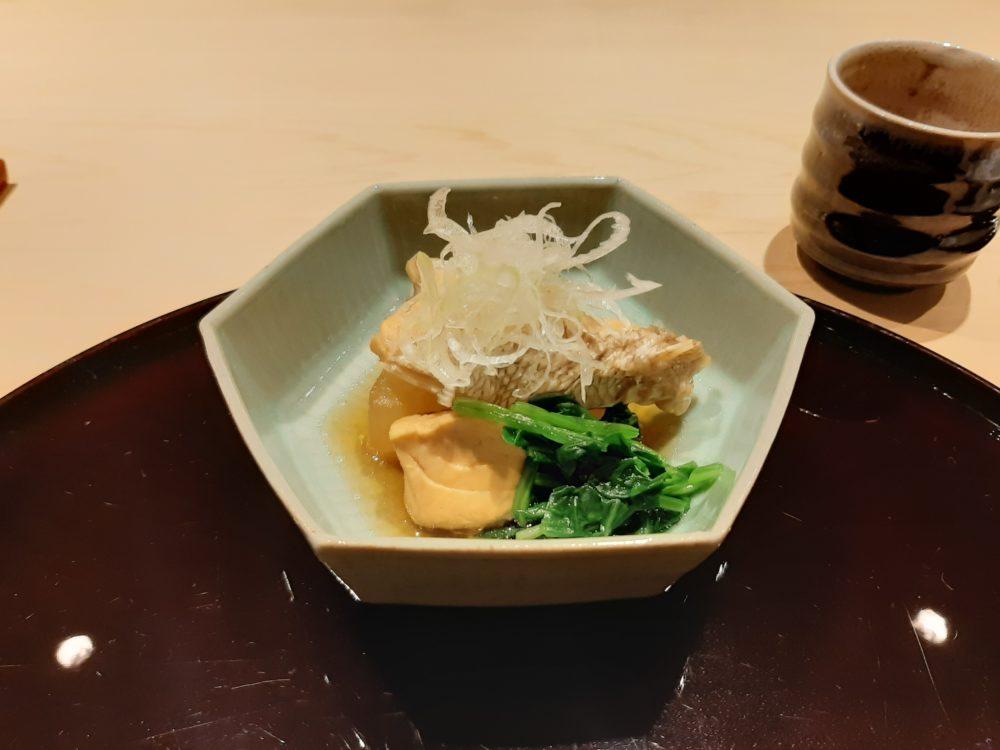 銀座うち山の鯛のアラ炊き
